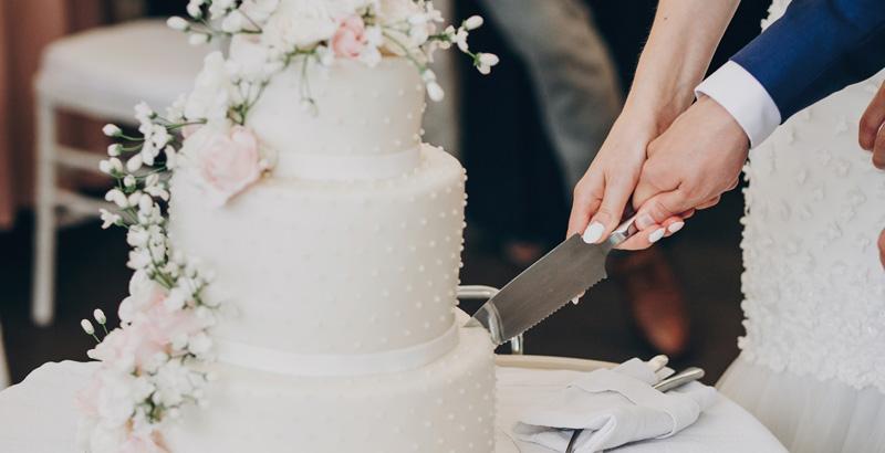 Celebrant Swinbourne Wedding Cake